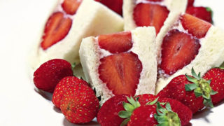 苺とクリームチーズのサンド