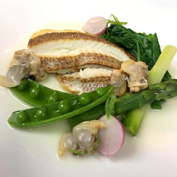 白身魚のソテー 浅蜊ソース