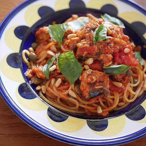 鯖缶トマトパスタ