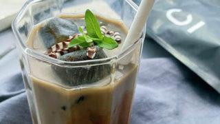 コーヒーアイスキューブで作る豆乳アイスモカ