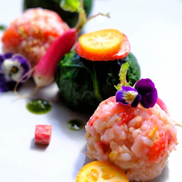 いちご玄米手毬寿司