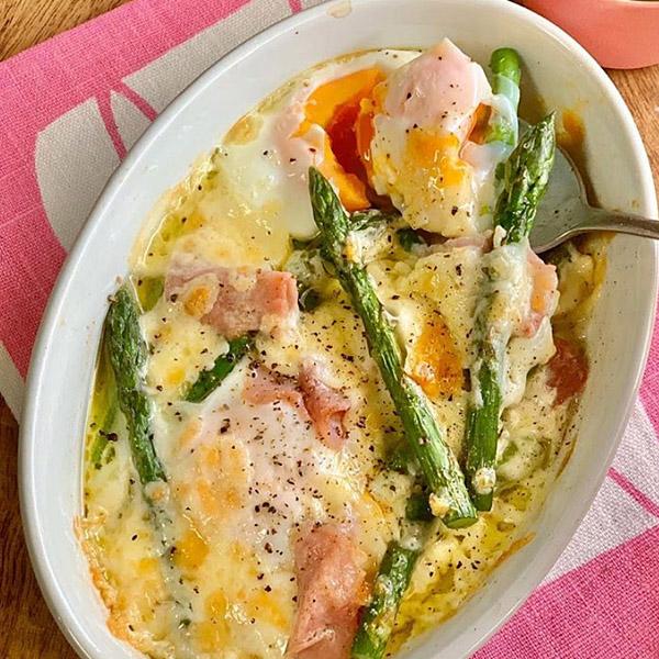 【アスパラと卵のオーブン焼き】
