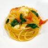 完熟トマトとバジルとモッツァレラのスパゲッティ