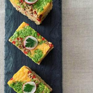 鶏&野菜のそぼろと卵そぼろのカレー風味押し寿司