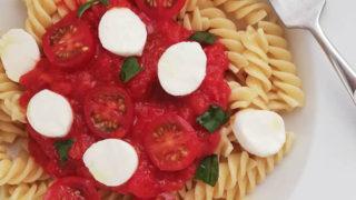 子どもと作るシンプルトマトソースパスタ