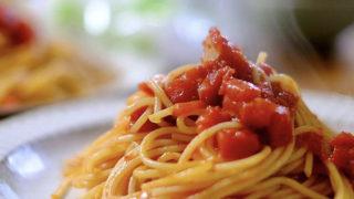 ナンプラーだしのトマトソースパスタ